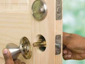 Locksmith Portland lock installation