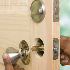 Locksmith Portland home security locks install
